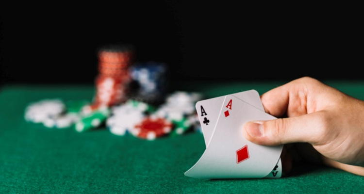 Playing Poker Tight – Aggressive Strategy